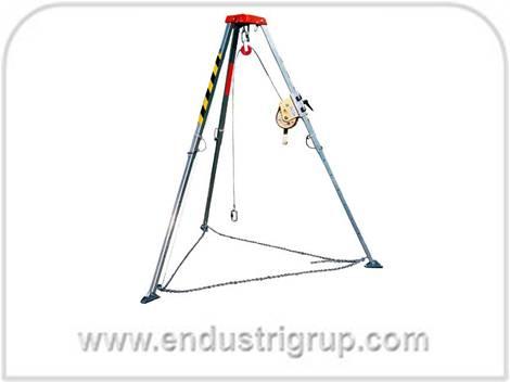 3-uc-ayakli-halatli-tripod-tripot-adam-insan-kuyu-kuyuya-indirme-cikarma-kurtarma-irgat-vinc-vinci-vincleri-ayagi-sistem-modeli-fiyati-imalati